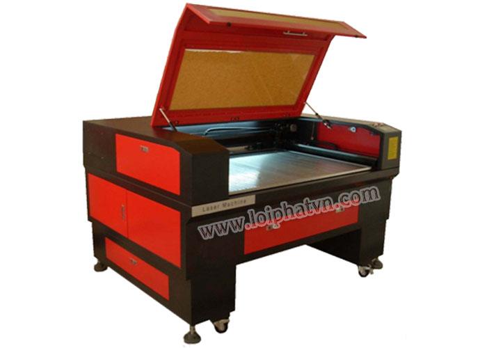 Máy cắt laser BL1390